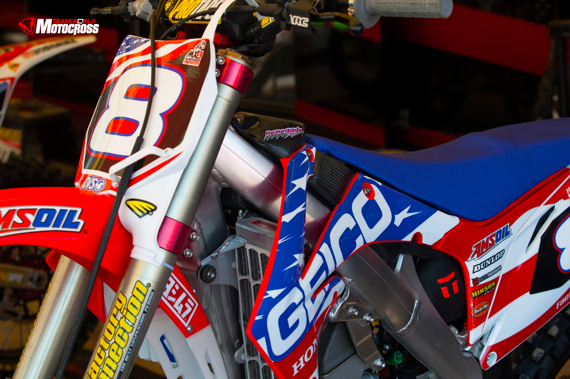 2013_MXON_Preview_Wallpaper_TWMX_332