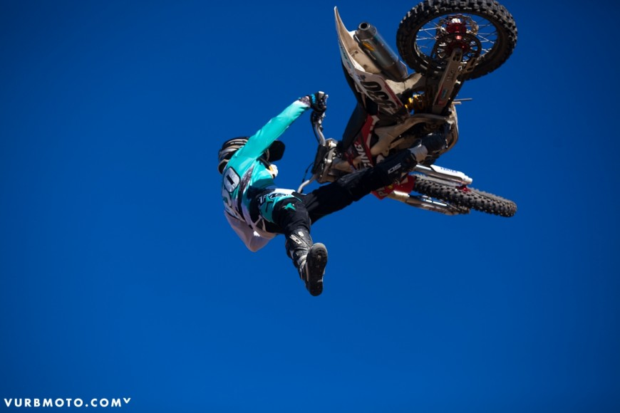 backyard-whips-ft-tom-parsons-25_gallery_full