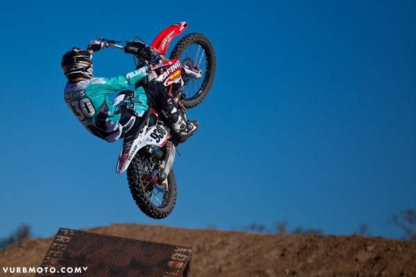 backyard-whips-ft-tom-parsons-29_gallery_full